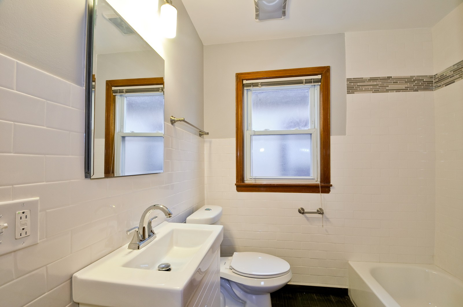 Real Estate Photography - 5457 W Schubert, Unit 1, Chicago, IL, 60639 - Bathroom