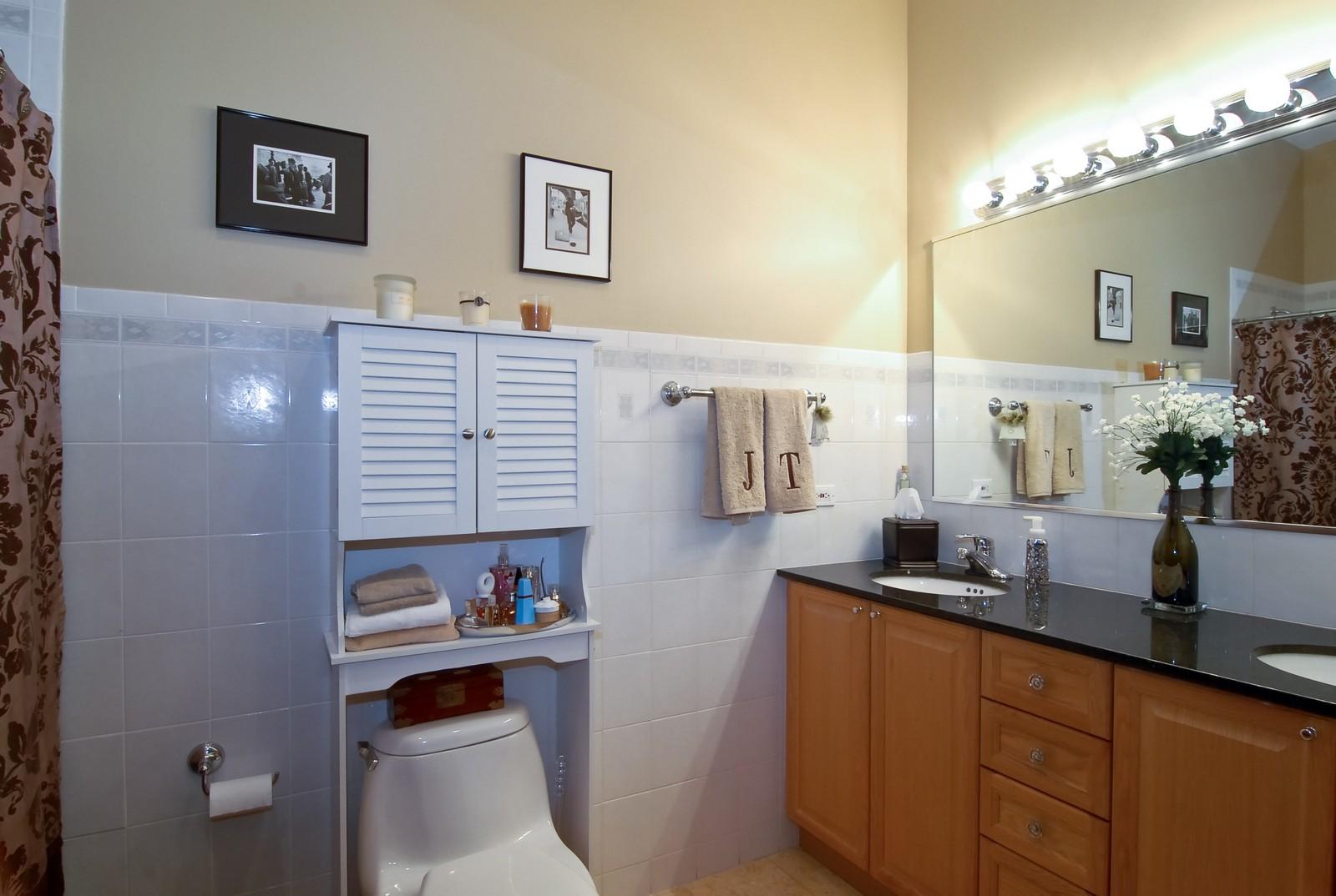 Real Estate Photography - 1901 W Armitage, Unit 1E, Chicago, IL, 60622 - Master Bathroom
