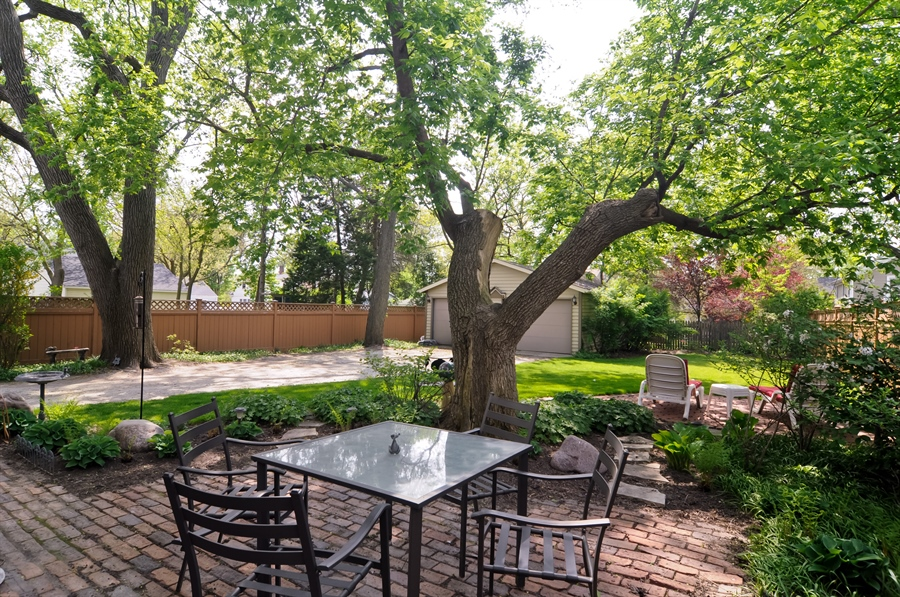 Real Estate Photography - 118 Raymond Ave, Barrington, IL, 60010 - Back Yard