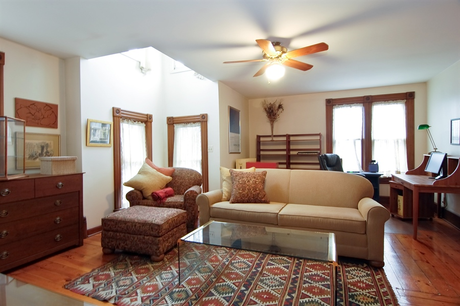 Real Estate Photography - 118 Raymond Ave, Barrington, IL, 60010 - Upper Level Family Room