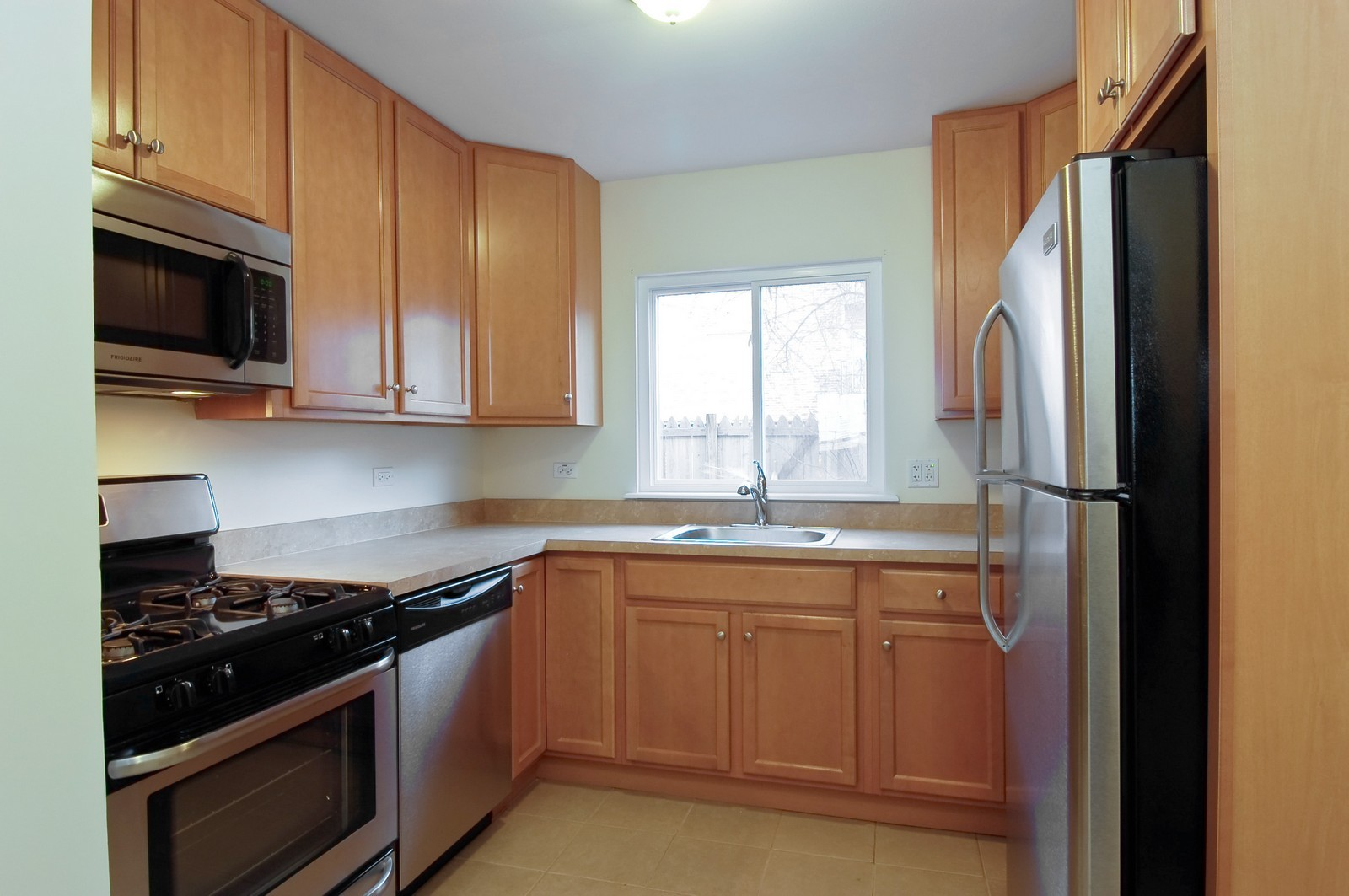 Real Estate Photography - 1623 McKool, Streamwood, IL, 60107 - Kitchen