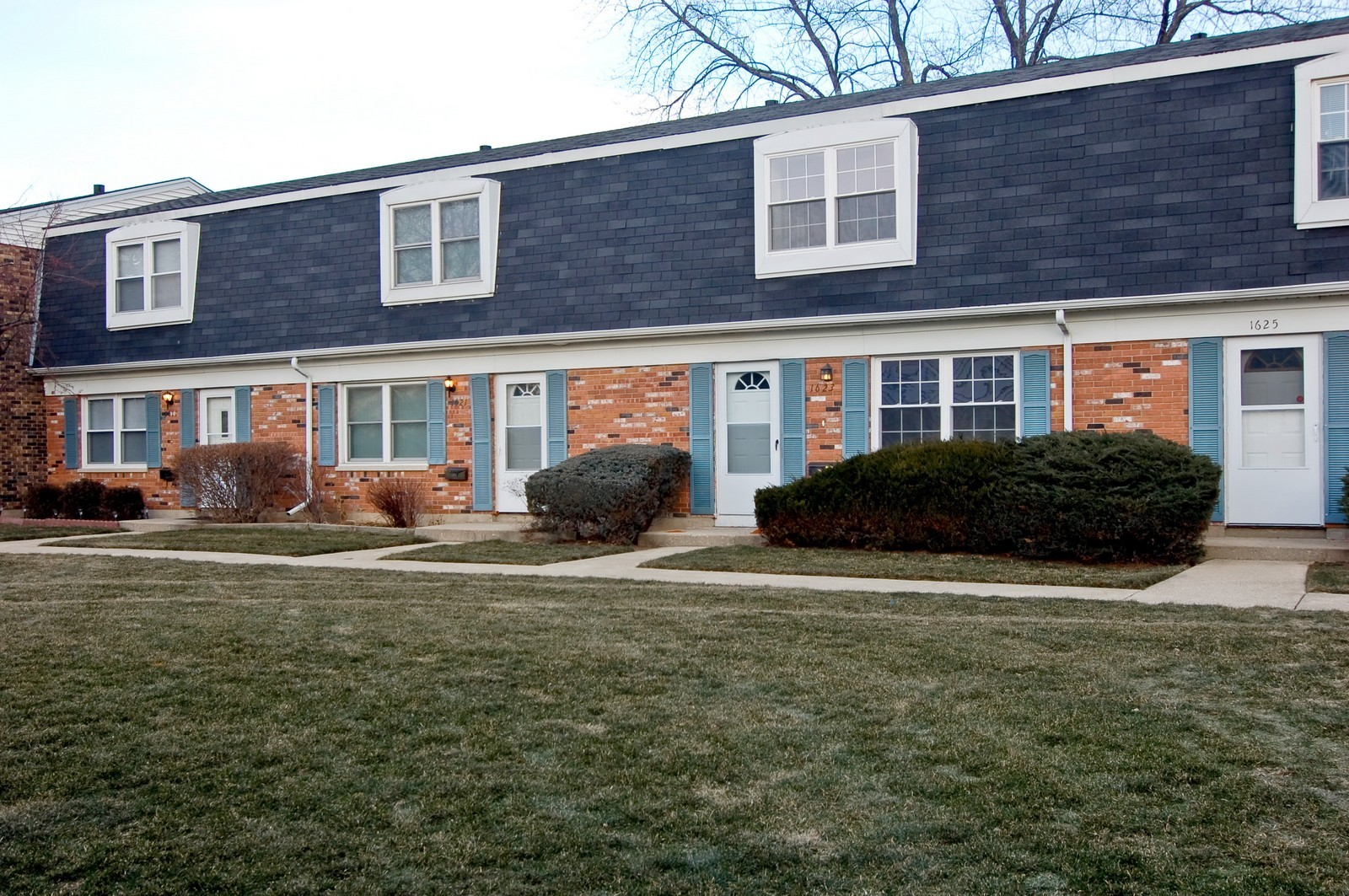 Real Estate Photography - 1623 McKool, Streamwood, IL, 60107 - Front View