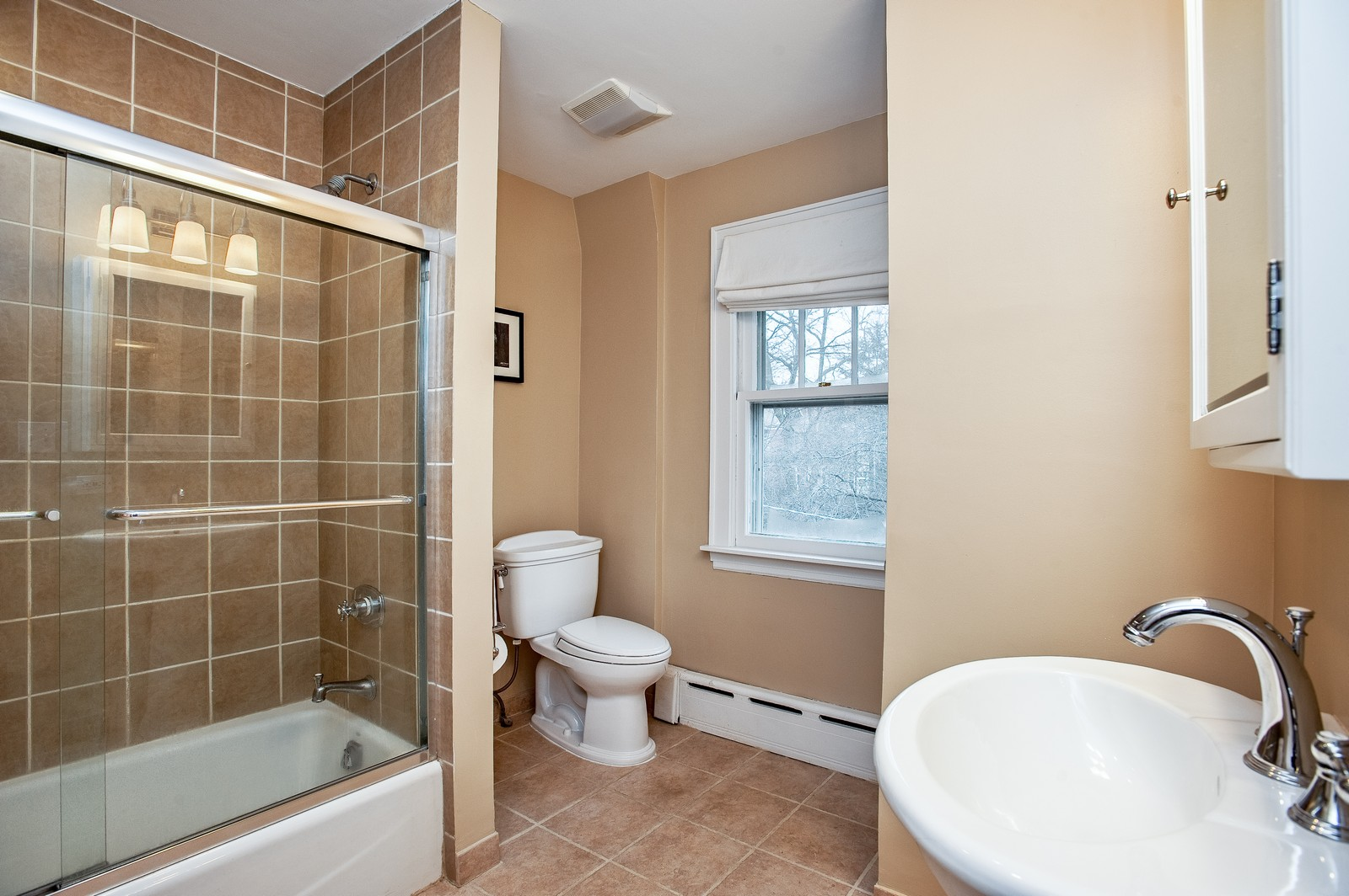Real Estate Photography - 1018 10th St, Wilmette, IL, 60091 - Master Bathroom