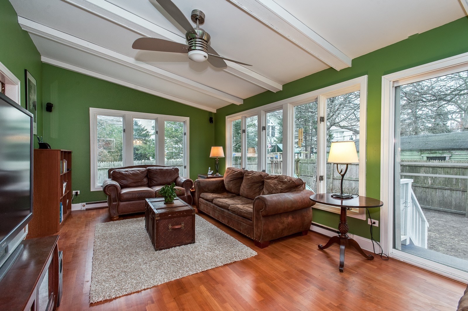 Real Estate Photography - 1018 10th St, Wilmette, IL, 60091 - Family Room