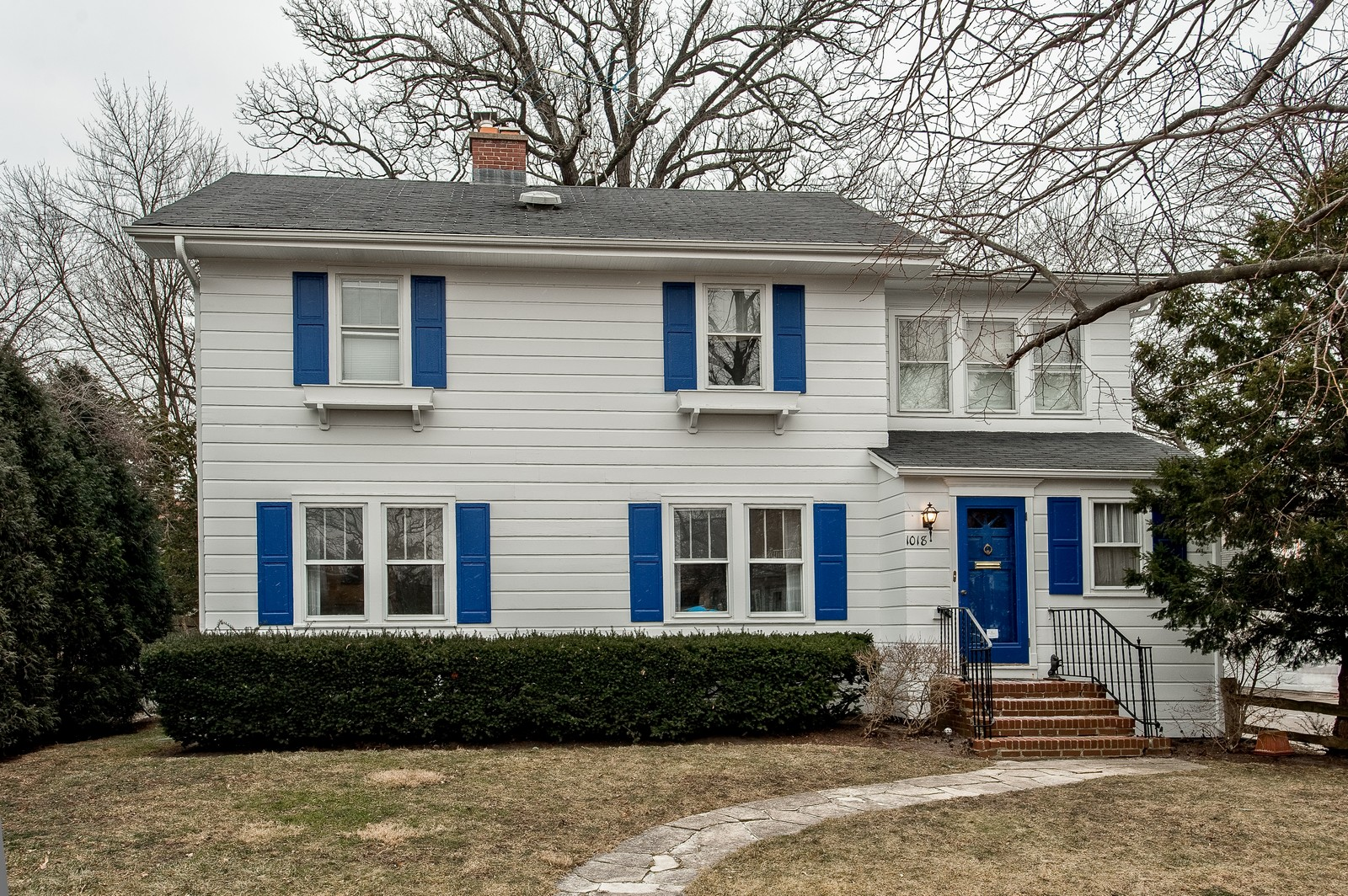 Real Estate Photography - 1018 10th St, Wilmette, IL, 60091 - Front View