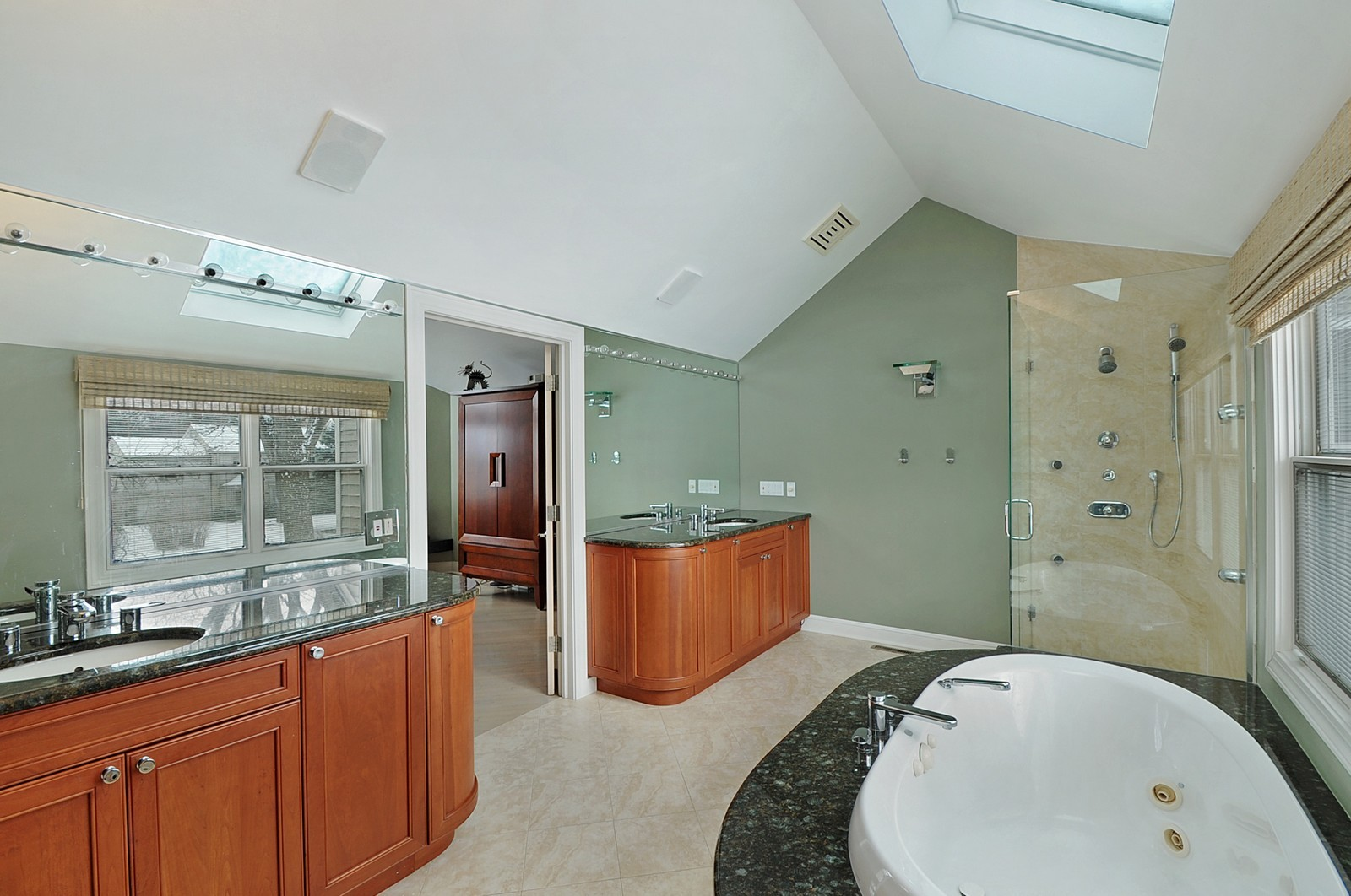 Real Estate Photography - 178 Indian Tree, Highland Park, IL, 60035 - Master Bathroom
