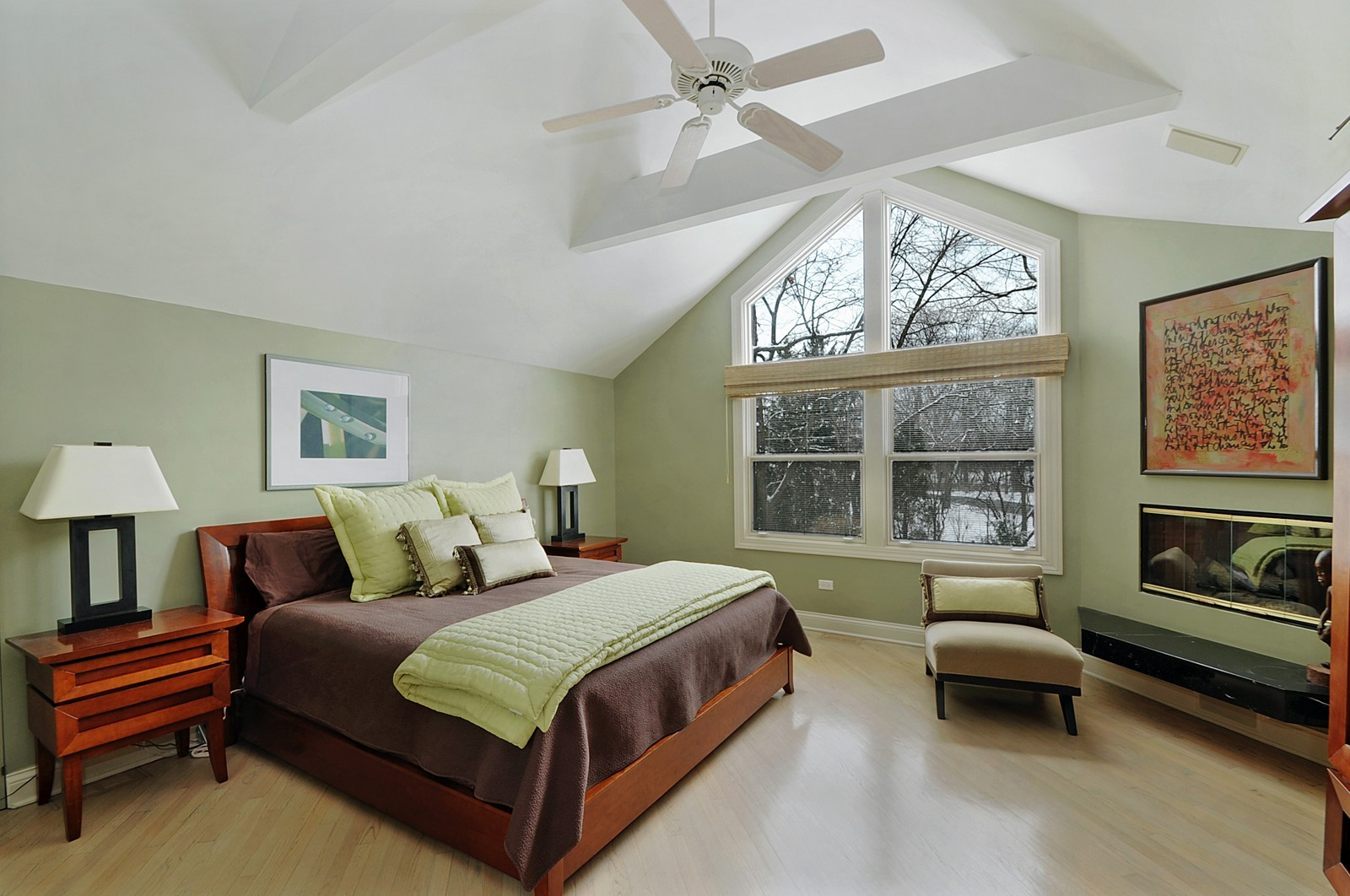 Real Estate Photography - 178 Indian Tree, Highland Park, IL, 60035 - Master Bedroom
