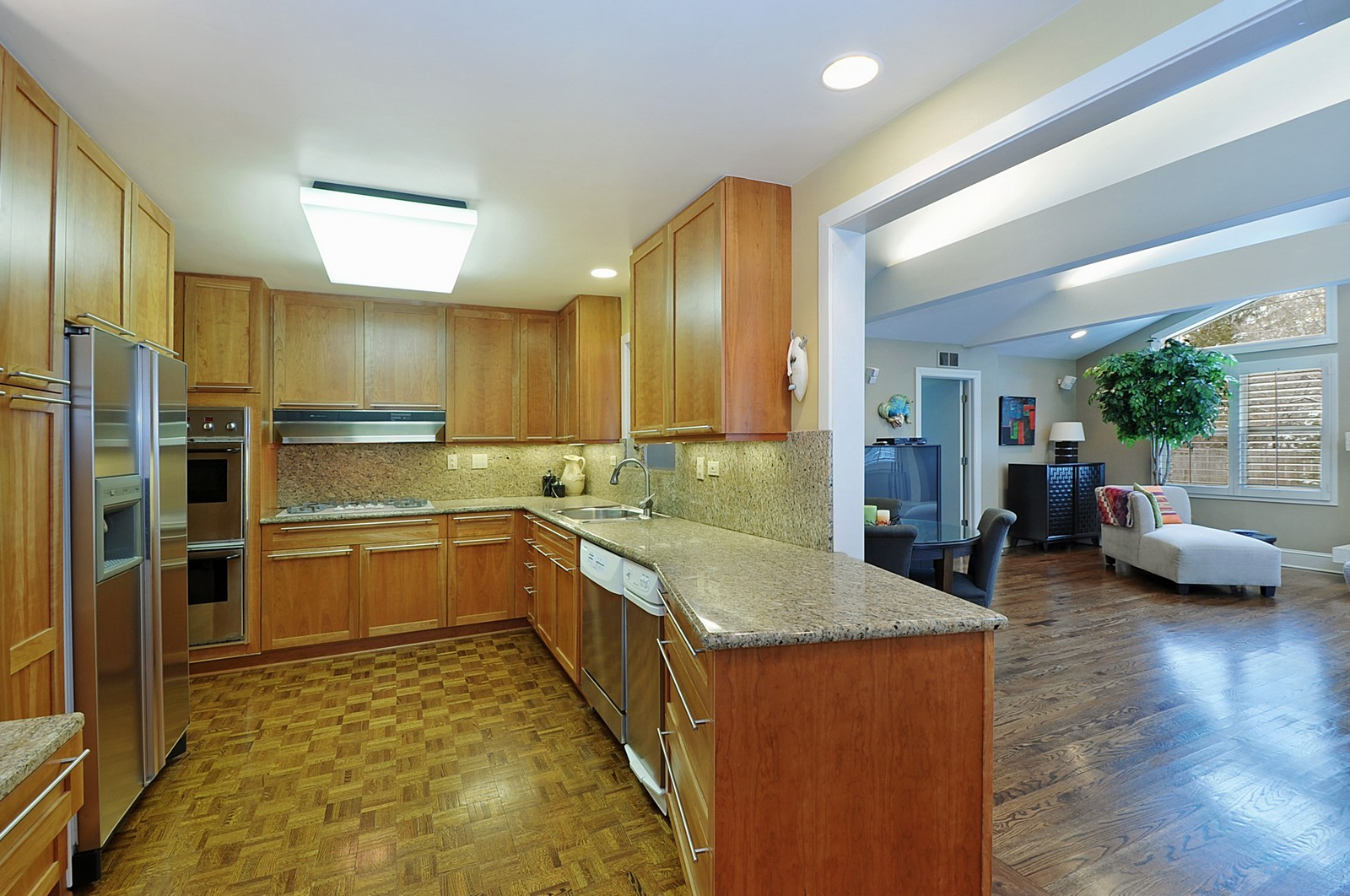 Real Estate Photography - 178 Indian Tree, Highland Park, IL, 60035 - Kitchen