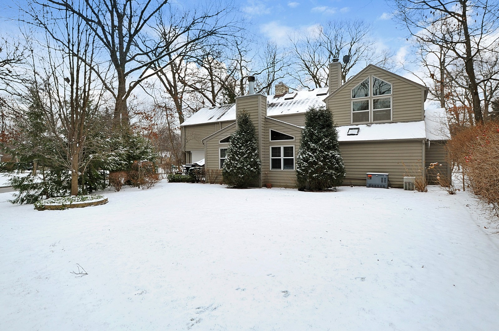 Real Estate Photography - 178 Indian Tree, Highland Park, IL, 60035 - Rear View