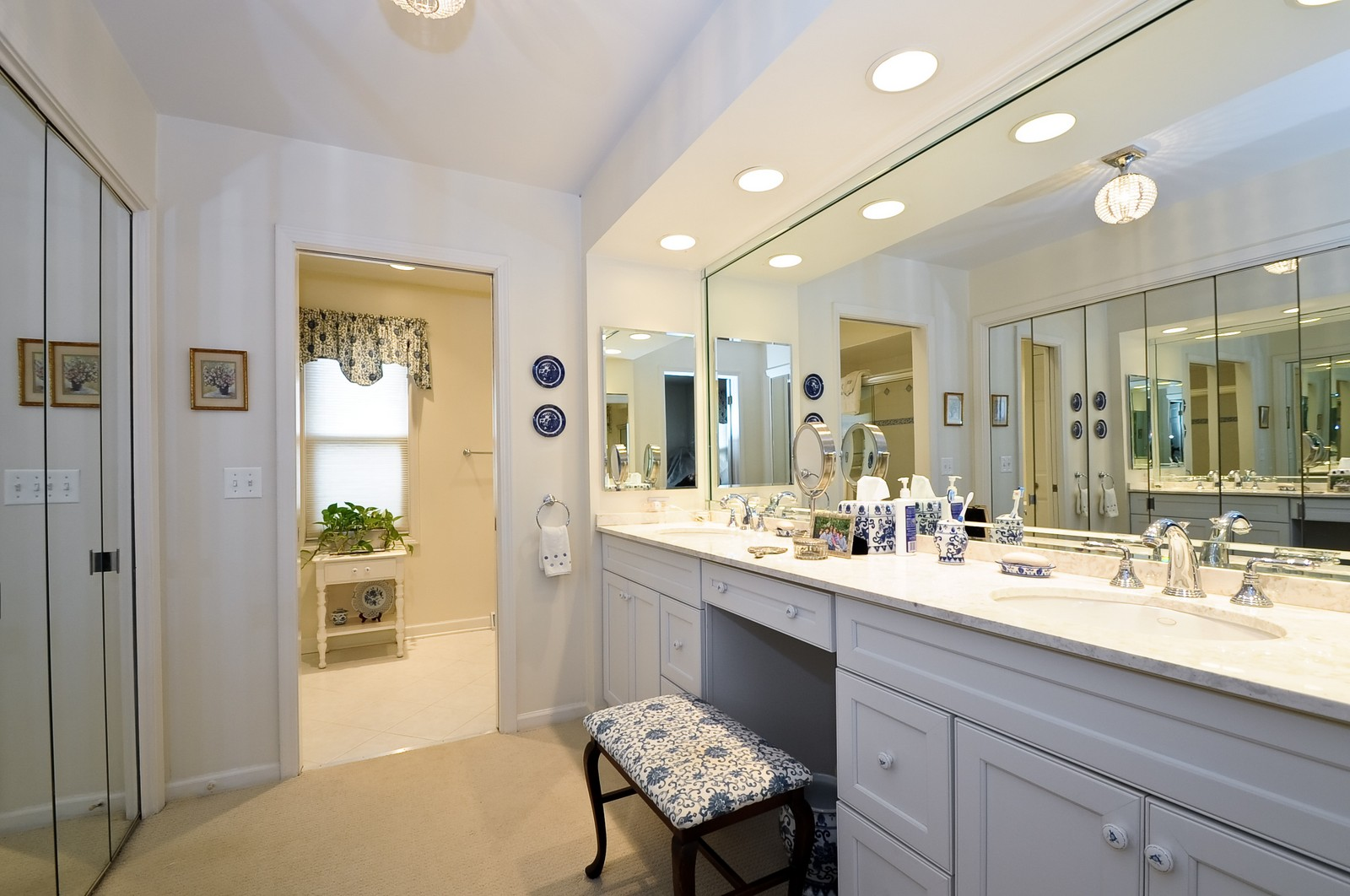 Real Estate Photography - 930 Bob O Link, Highland Park, IL, 60035 - Master Bath