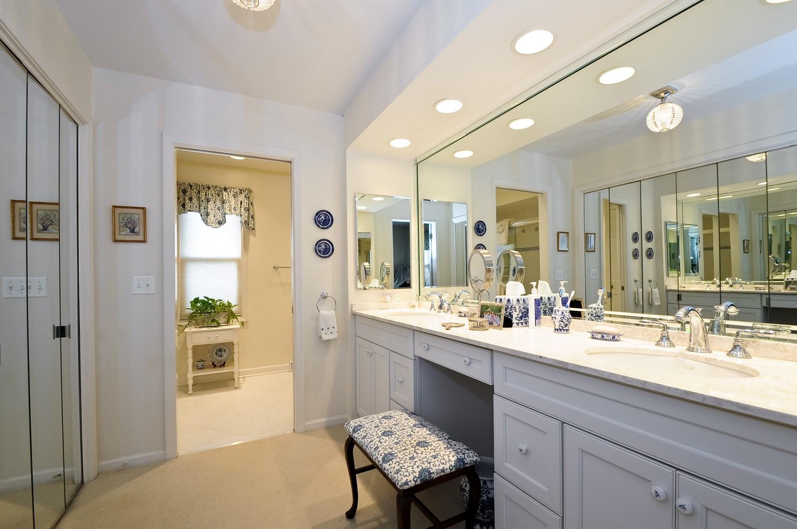 Real Estate Photography - 930 Bob O Link, Highland Park, IL, 60035 - Master Bath