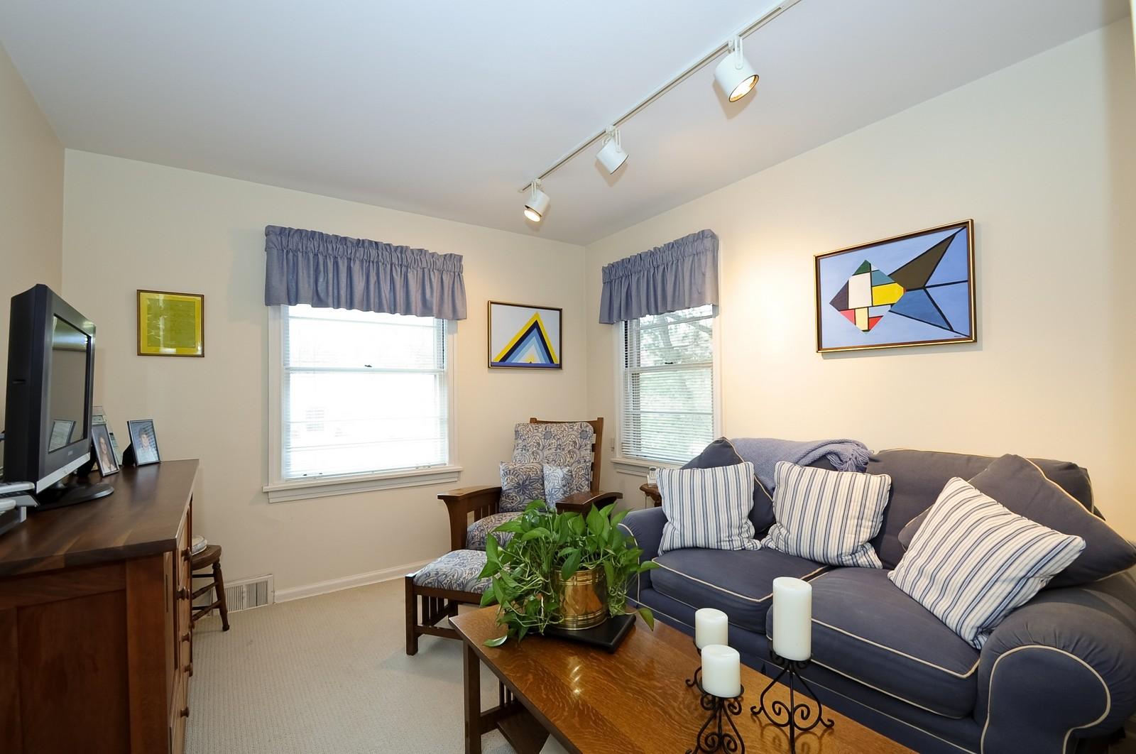 Real Estate Photography - 930 Bob O Link, Highland Park, IL, 60035 - Bedroom