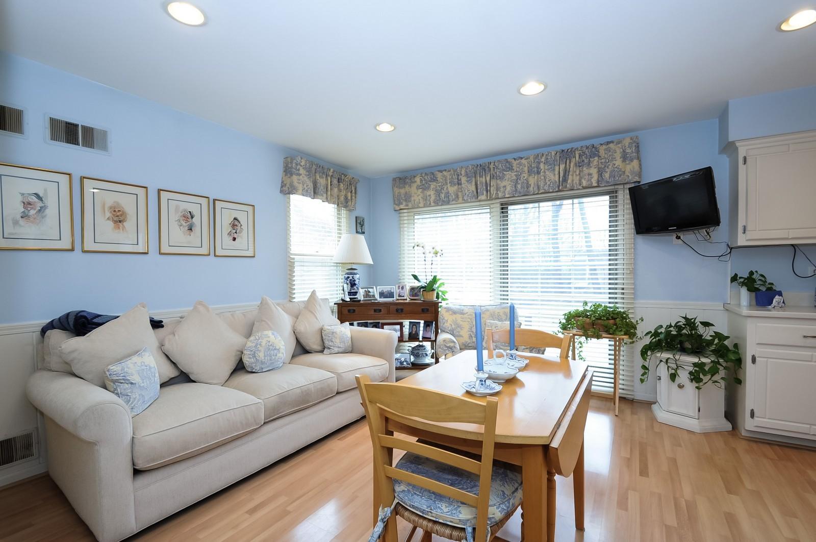 Real Estate Photography - 930 Bob O Link, Highland Park, IL, 60035 - Family Room
