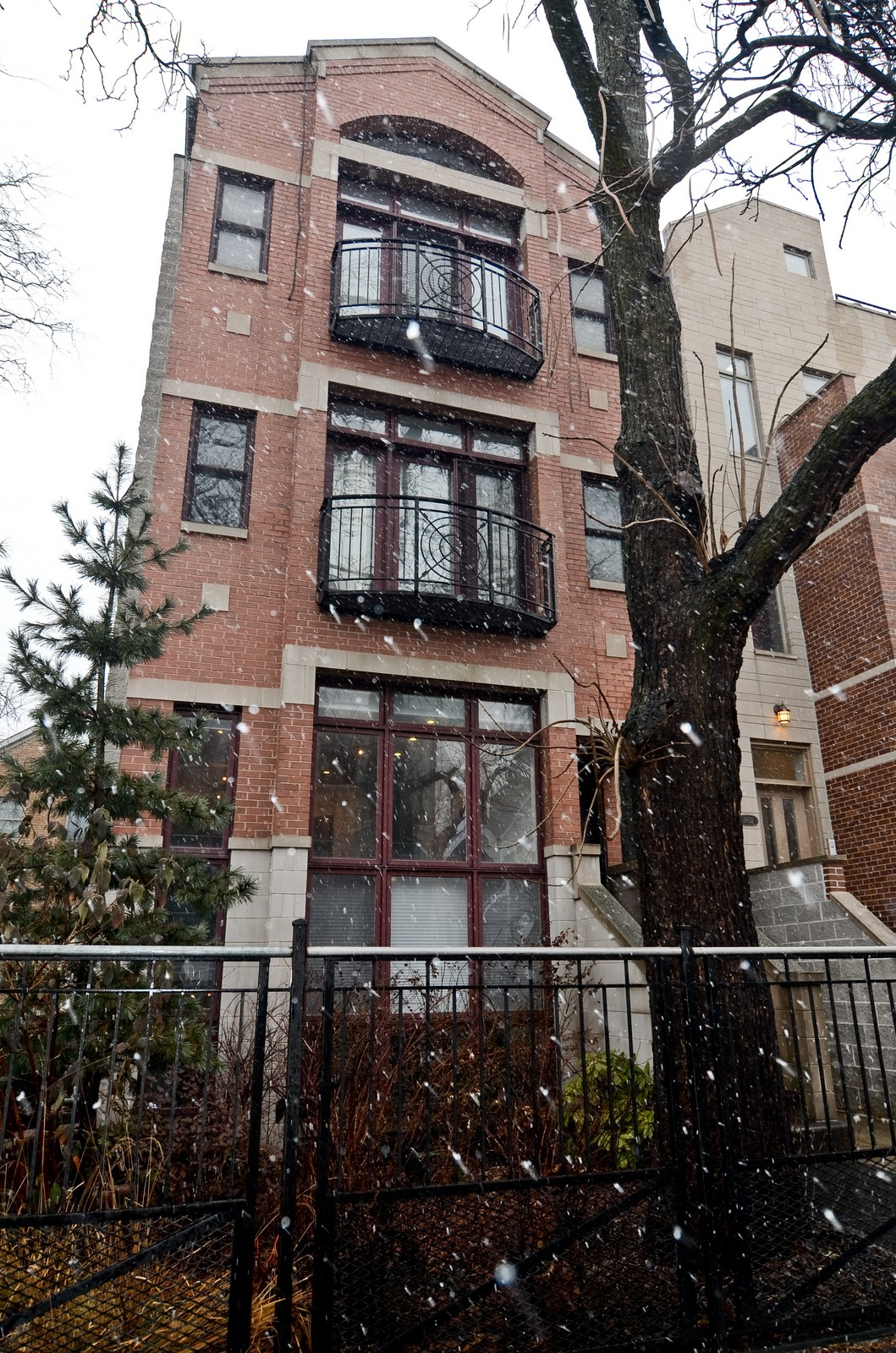 Real Estate Photography - 1856 W Armitage, Unit 1, Chicago, IL, 60622 - Front View