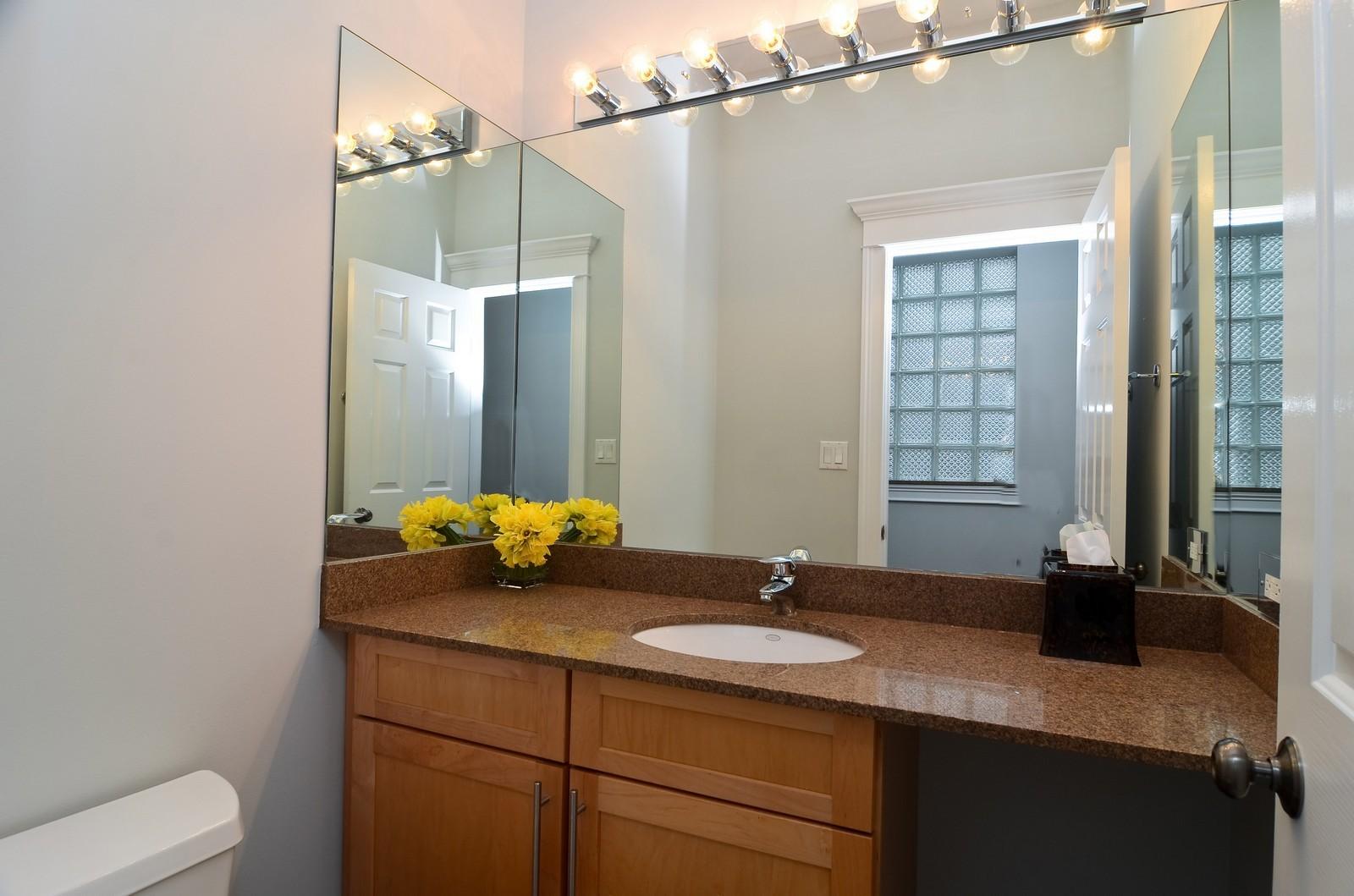 Real Estate Photography - 1856 W Armitage, Unit 1, Chicago, IL, 60622 - 2nd Bathroom