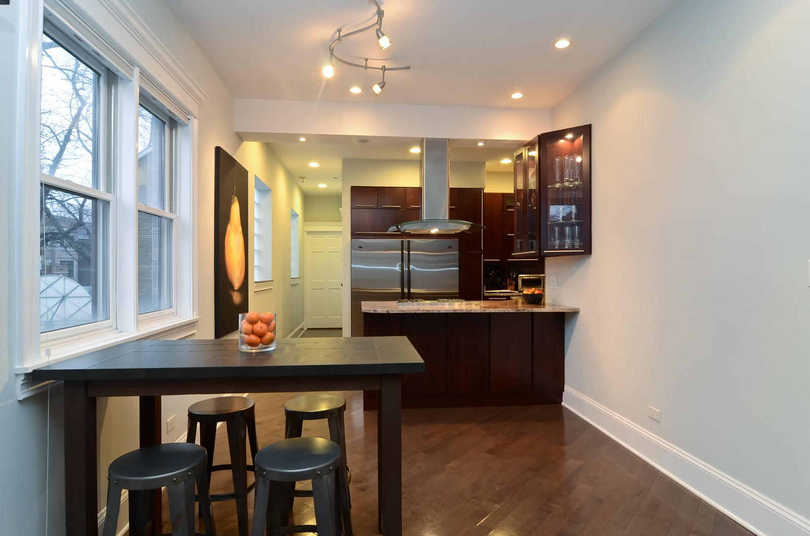 Real Estate Photography - 1856 W Armitage, Unit 1, Chicago, IL, 60622 - Kitchen / Dining Room