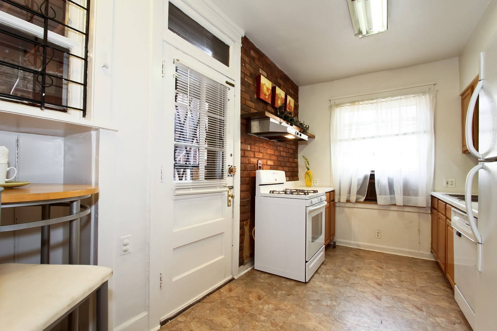 Real Estate Photography - 1648 E 54th St, Chicago, IL, 60615 - Kitchen