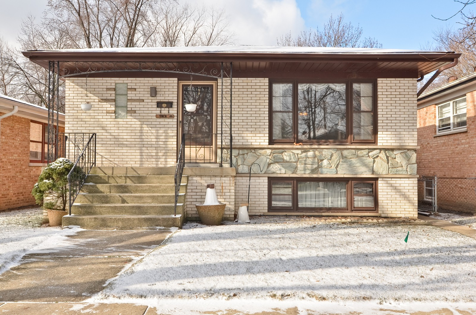 Real Estate Photography - 7070 Mason, Chicago, IL, 60646 - Front View