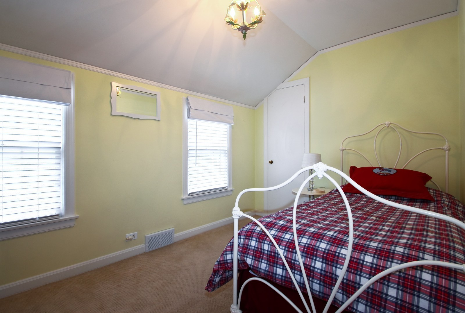 Real Estate Photography - 2515 Lake Ave, Wilmette, IL, 60091 - 2nd Bedroom