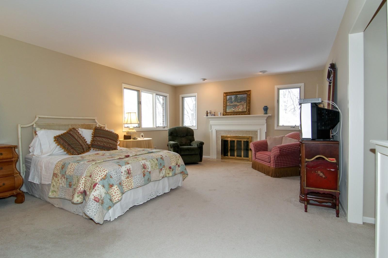 Real Estate Photography - 11554 Ridgewood Lane, Burr Ridge, IL, 60527 - Master Bedroom