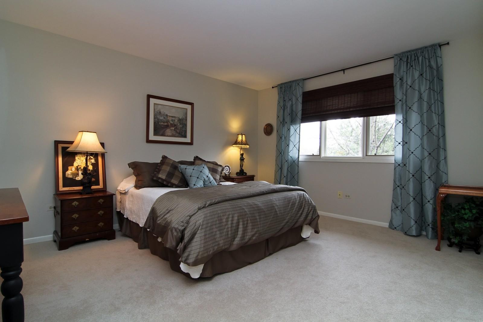 Real Estate Photography - 11554 Ridgewood Lane, Burr Ridge, IL, 60527 - Bedroom