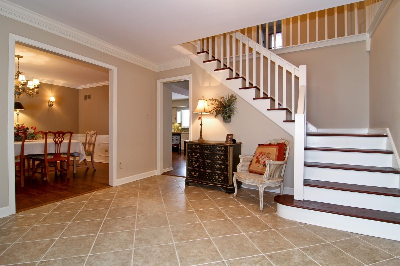 Real Estate Photography - 11554 Ridgewood Lane, Burr Ridge, IL, 60527 - Foyer