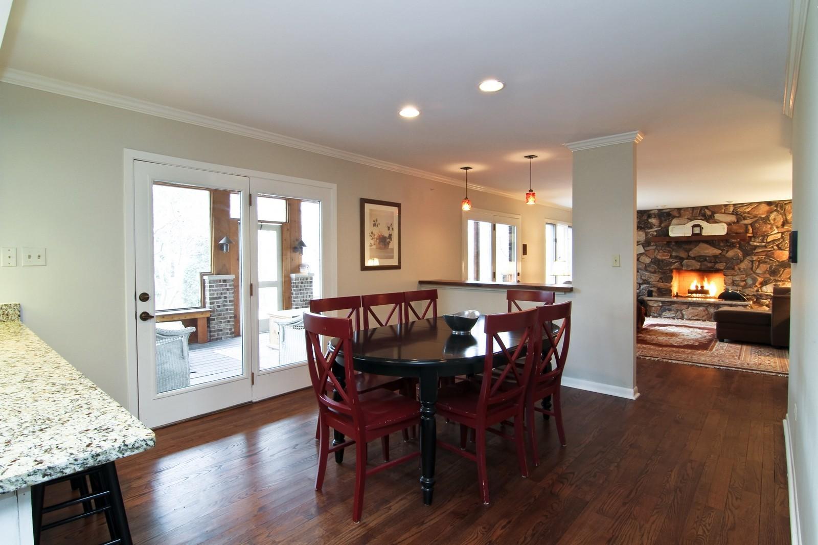 Real Estate Photography - 11554 Ridgewood Lane, Burr Ridge, IL, 60527 - Breakfast Area