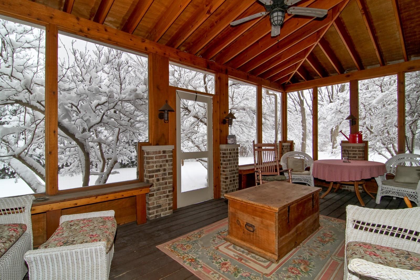Real Estate Photography - 11554 Ridgewood Lane, Burr Ridge, IL, 60527 - Sun Room