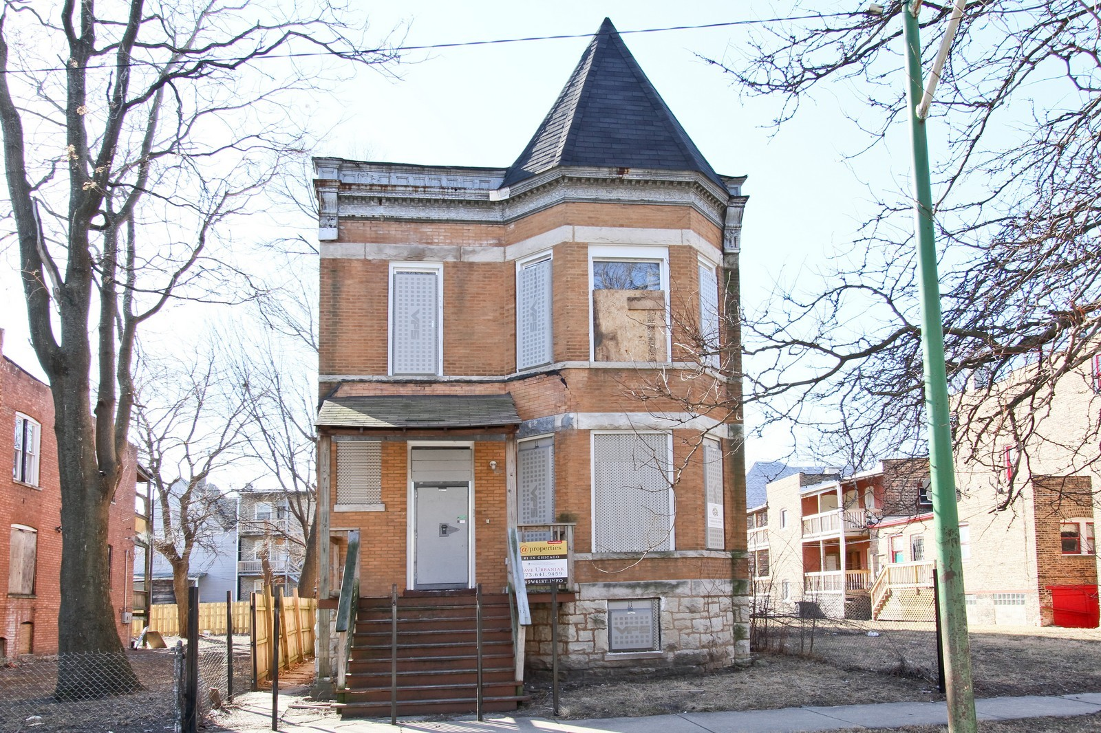 Real Estate Photography - 449 W 61st St, Chicago, IL, 60621 - Front View