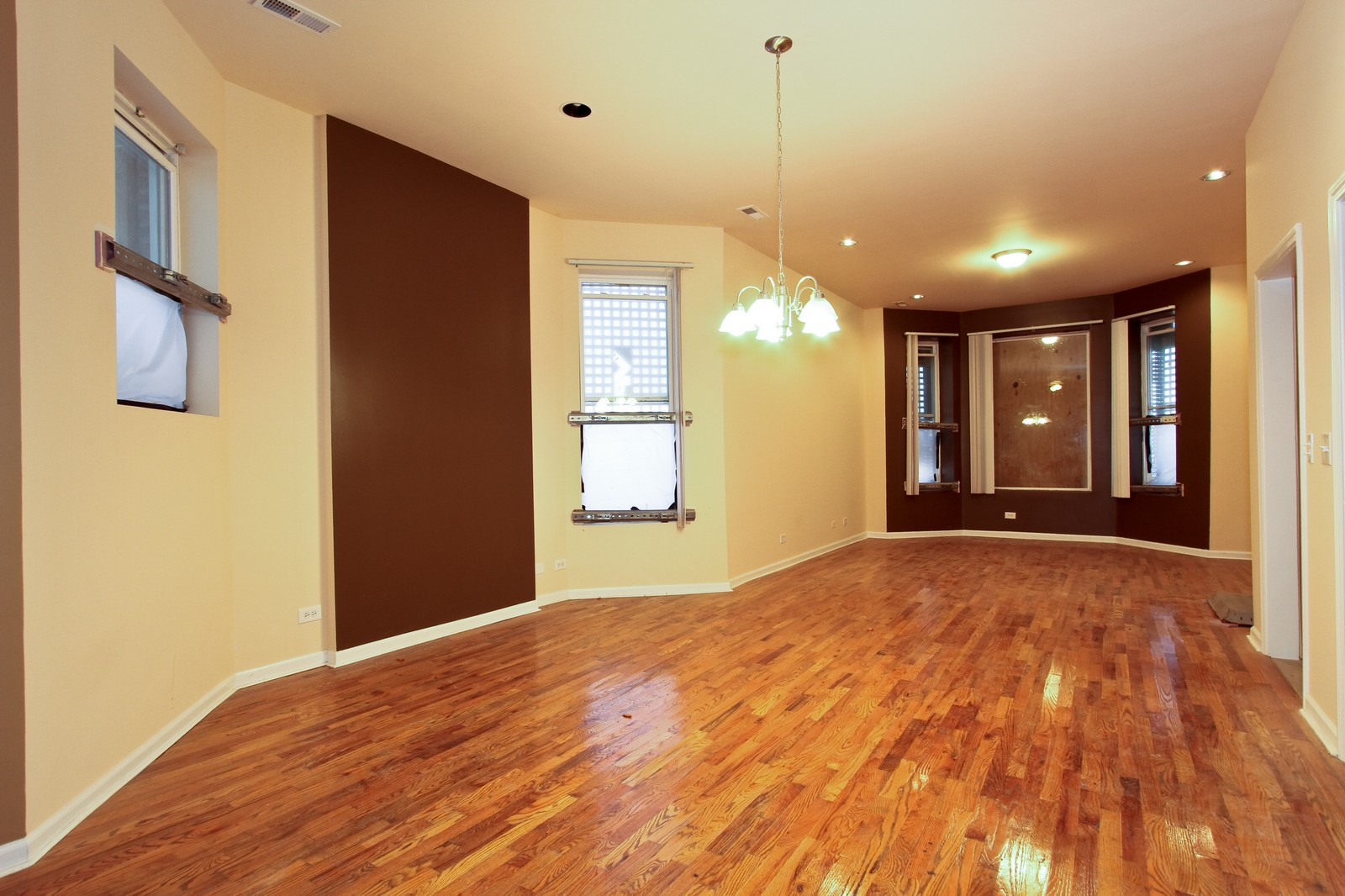 Real Estate Photography - 449 W 61st St, Chicago, IL, 60621 - Living Room / Dining Room