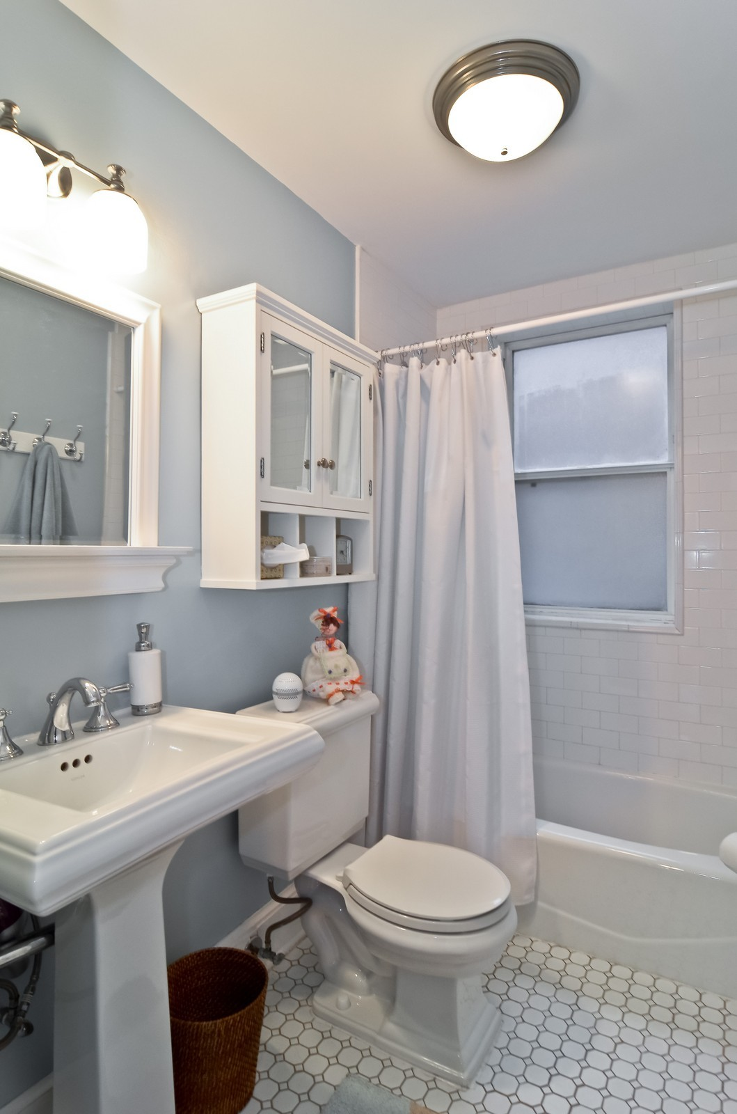 Real Estate Photography - 2020 N Burling, Unit 103, Chicago, IL, 60614 - Bathroom