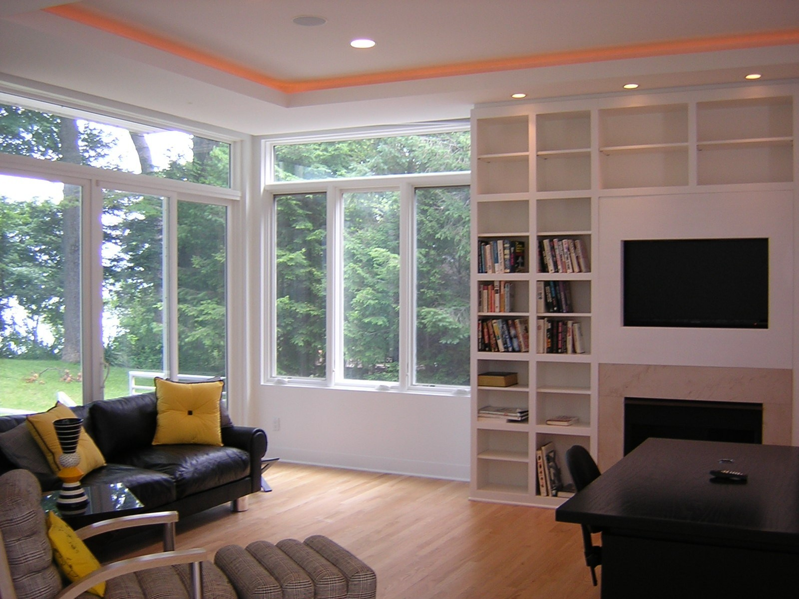Real Estate Photography - 15930 Lake Ave, Union Pier, MI, 49129 - Location 1