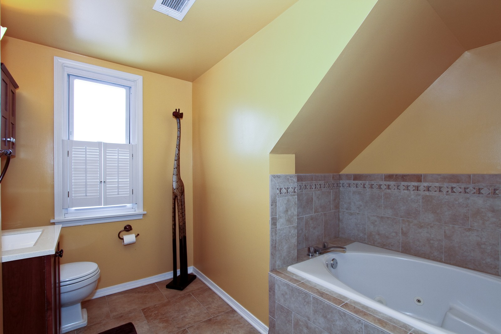 Real Estate Photography - 9209 S Claremont, Chicago, IL, 60643 - Master Bathroom