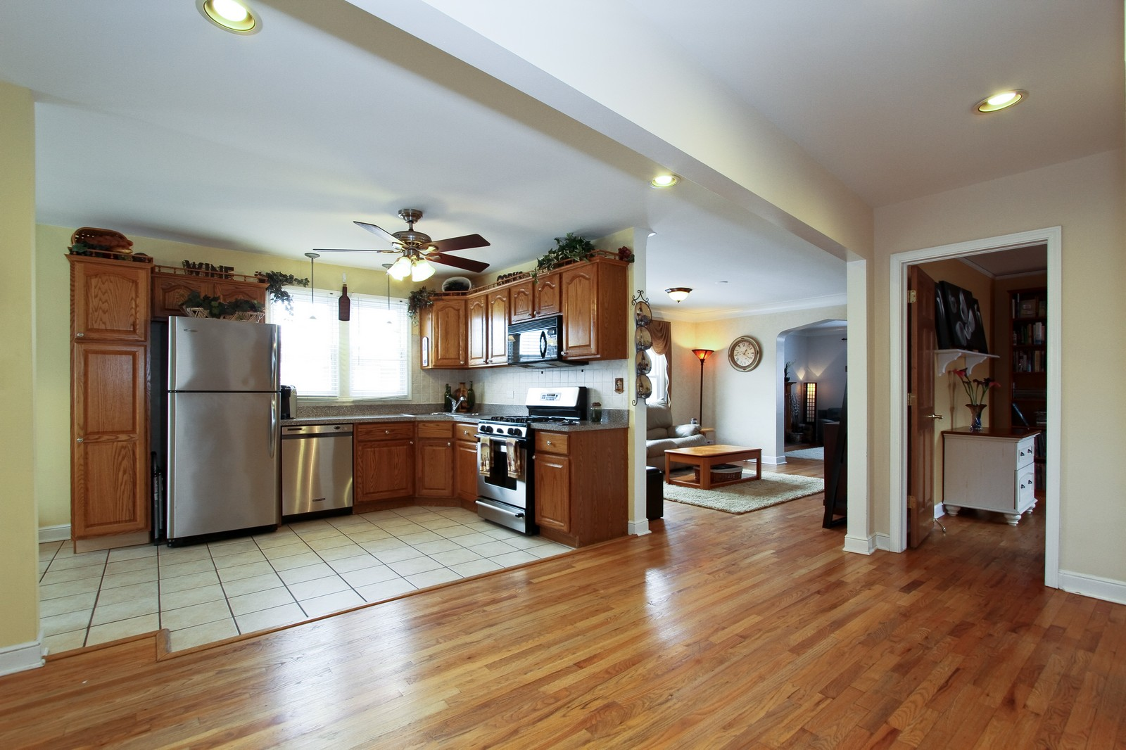 Real Estate Photography - 9209 S Claremont, Chicago, IL, 60643 - Kitchen
