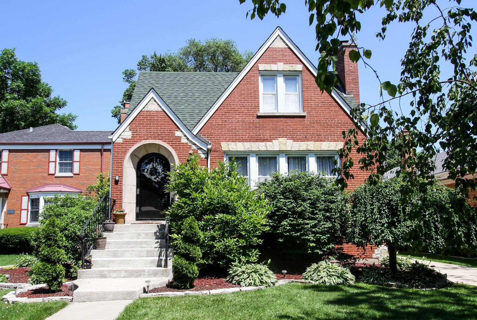 Real Estate Photography - 9209 S Claremont, Chicago, IL, 60643 - Front View