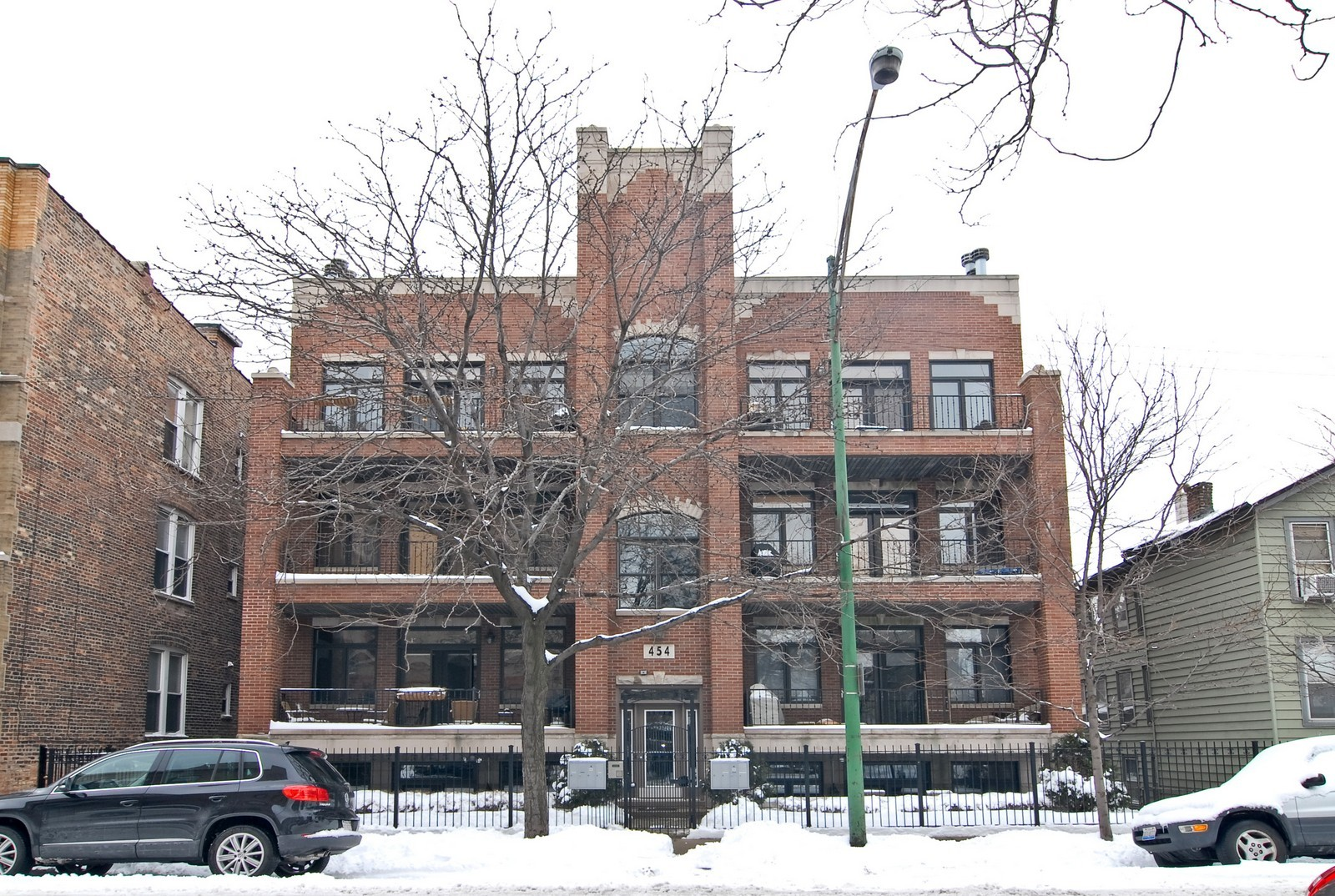 Real Estate Photography - 454 N Aberdeen St, Unit GN, Chicago, IL, 60622 - Front View