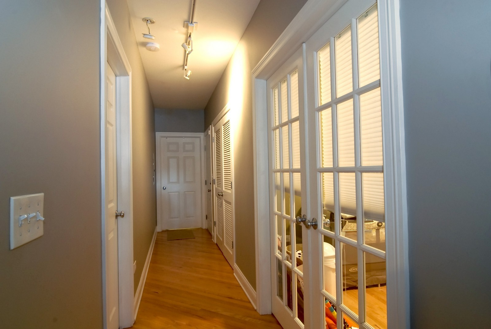 Real Estate Photography - 454 N Aberdeen St, Unit GN, Chicago, IL, 60622 - Hallway