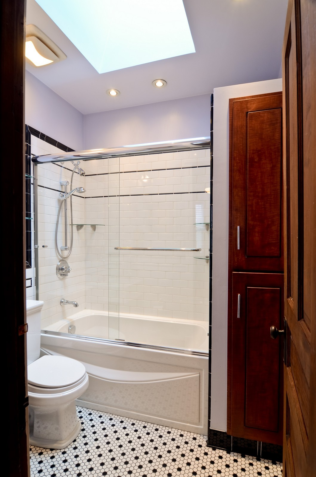 Real Estate Photography - 2519 N St. Louis, Chicago, IL, 60647 - Bathroom