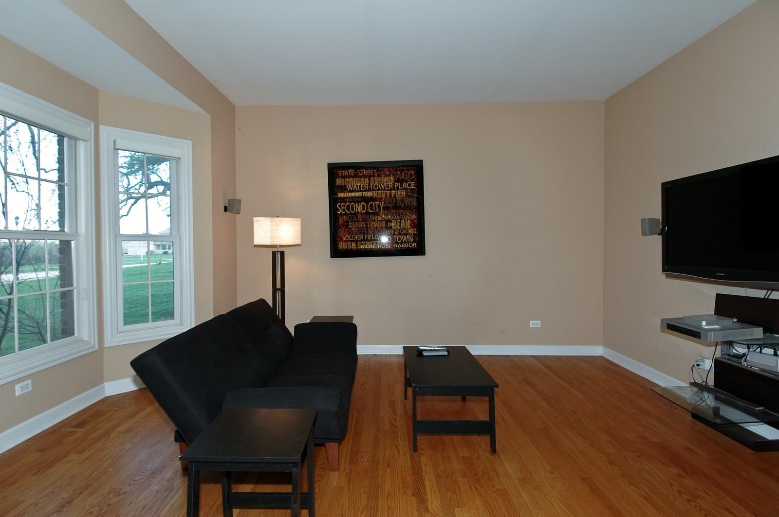 Real Estate Photography - 10575 Oakleaf Lane, Huntley, IL, 60142 - Living Room