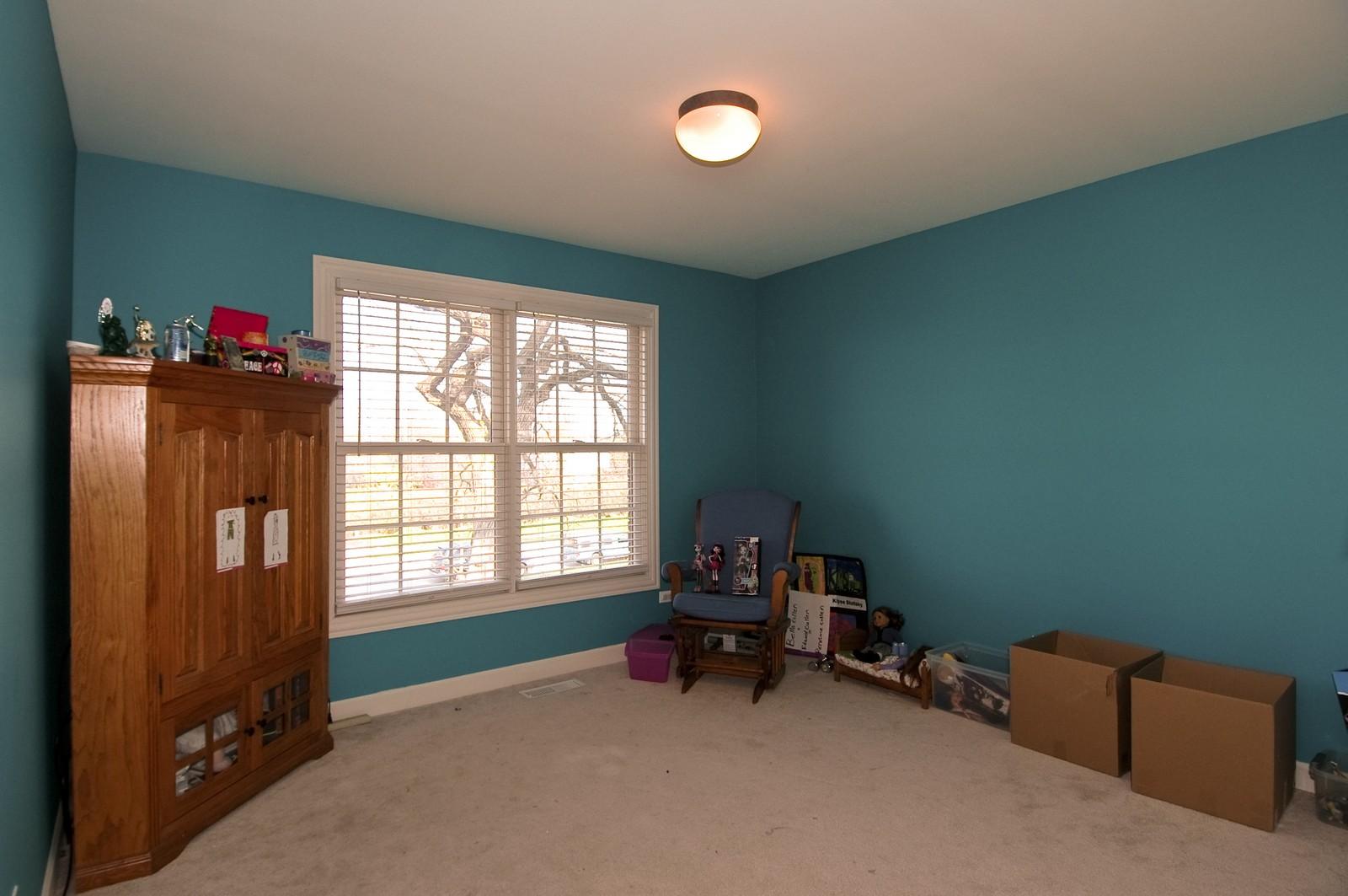 Real Estate Photography - 10575 Oakleaf Lane, Huntley, IL, 60142 - 2nd Bedroom