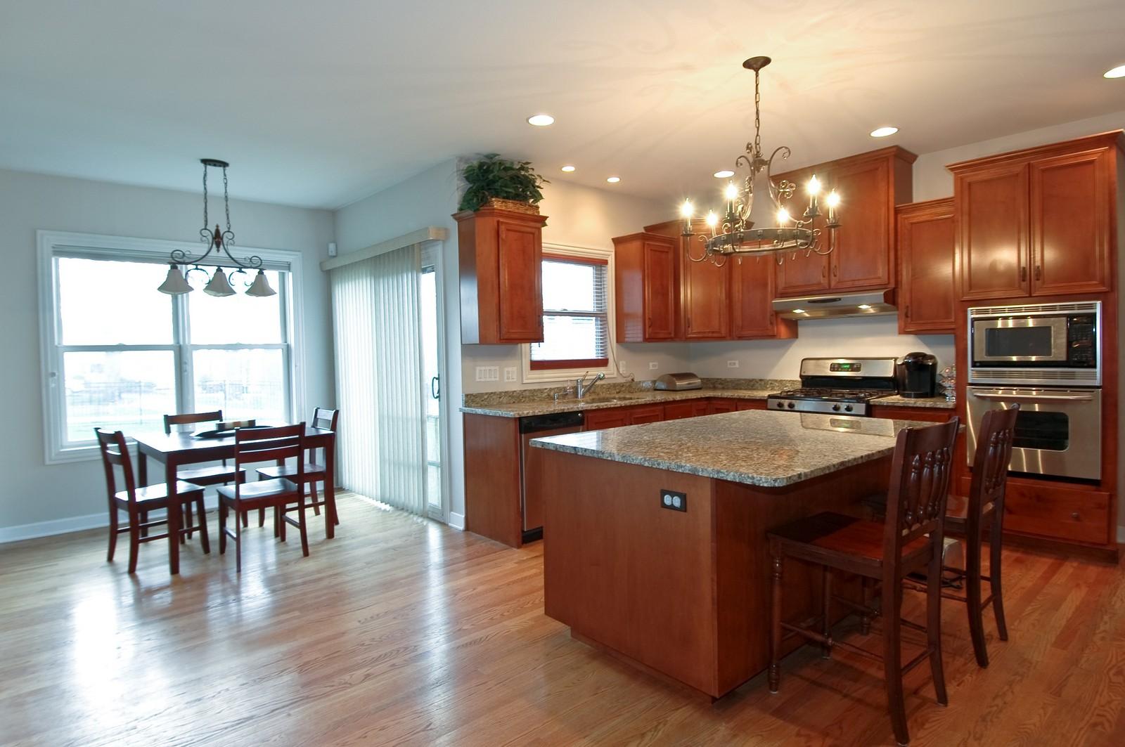 Real Estate Photography - 10575 Oakleaf Lane, Huntley, IL, 60142 - Kitchen & Eating Area