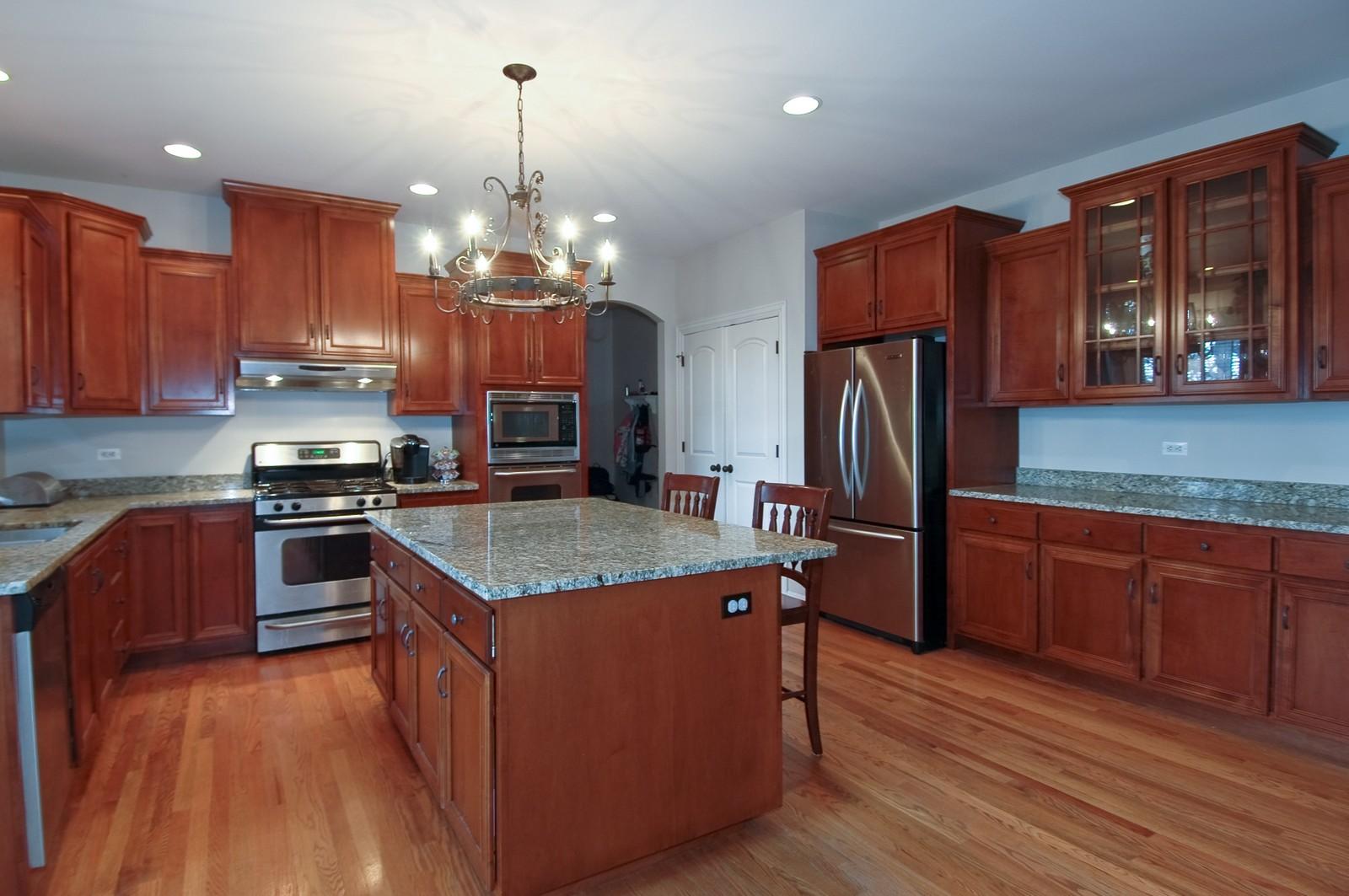 Real Estate Photography - 10575 Oakleaf Lane, Huntley, IL, 60142 - Kitchen