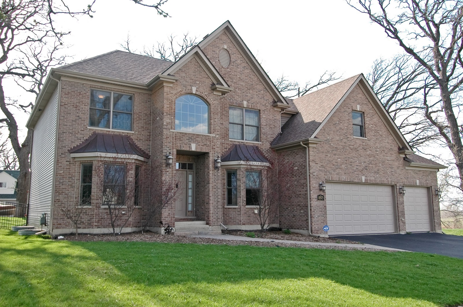 Real Estate Photography - 10575 Oakleaf Lane, Huntley, IL, 60142 - Front View