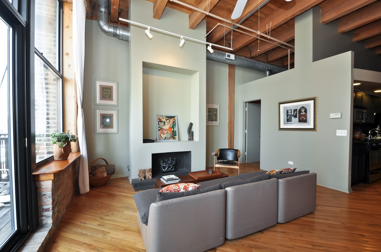 Real Estate Photography - 616 W Fulton, Unit 506, Chicago, IL, 60661 - Living Room