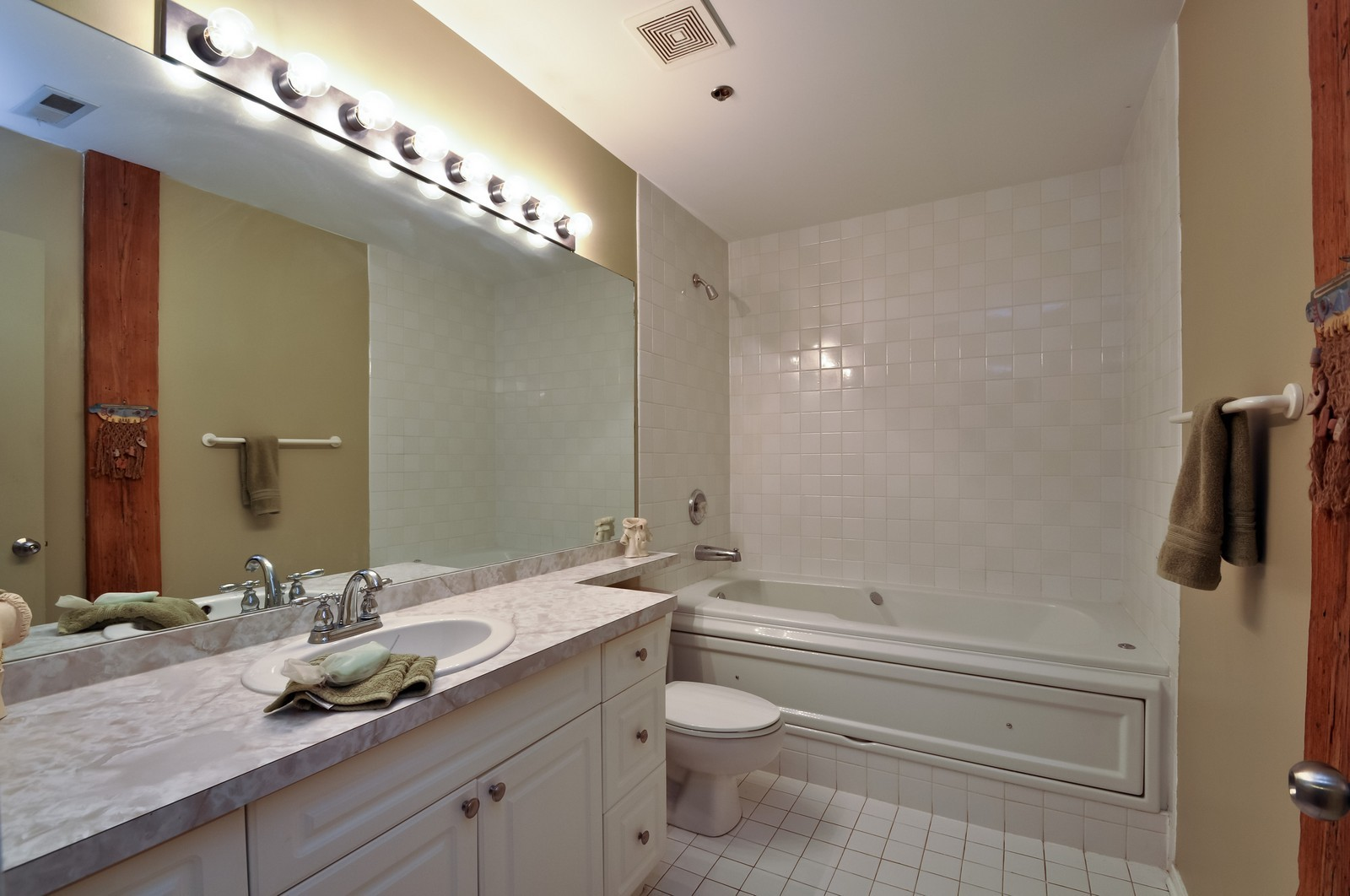 Real Estate Photography - 616 W Fulton, Unit 506, Chicago, IL, 60661 - Master Bathroom