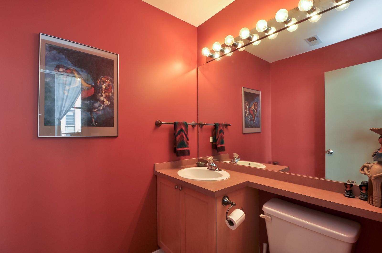 Real Estate Photography - 616 W Fulton, Unit 506, Chicago, IL, 60661 - Half Bath