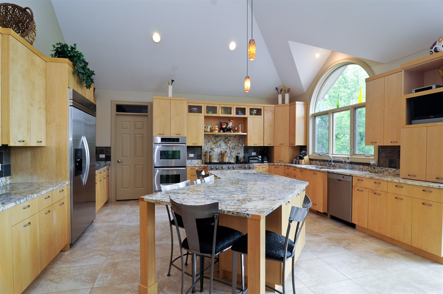 Real Estate Photography - 205 Honey Lake Court, North Barrington, IL, 60010 - Kitchen