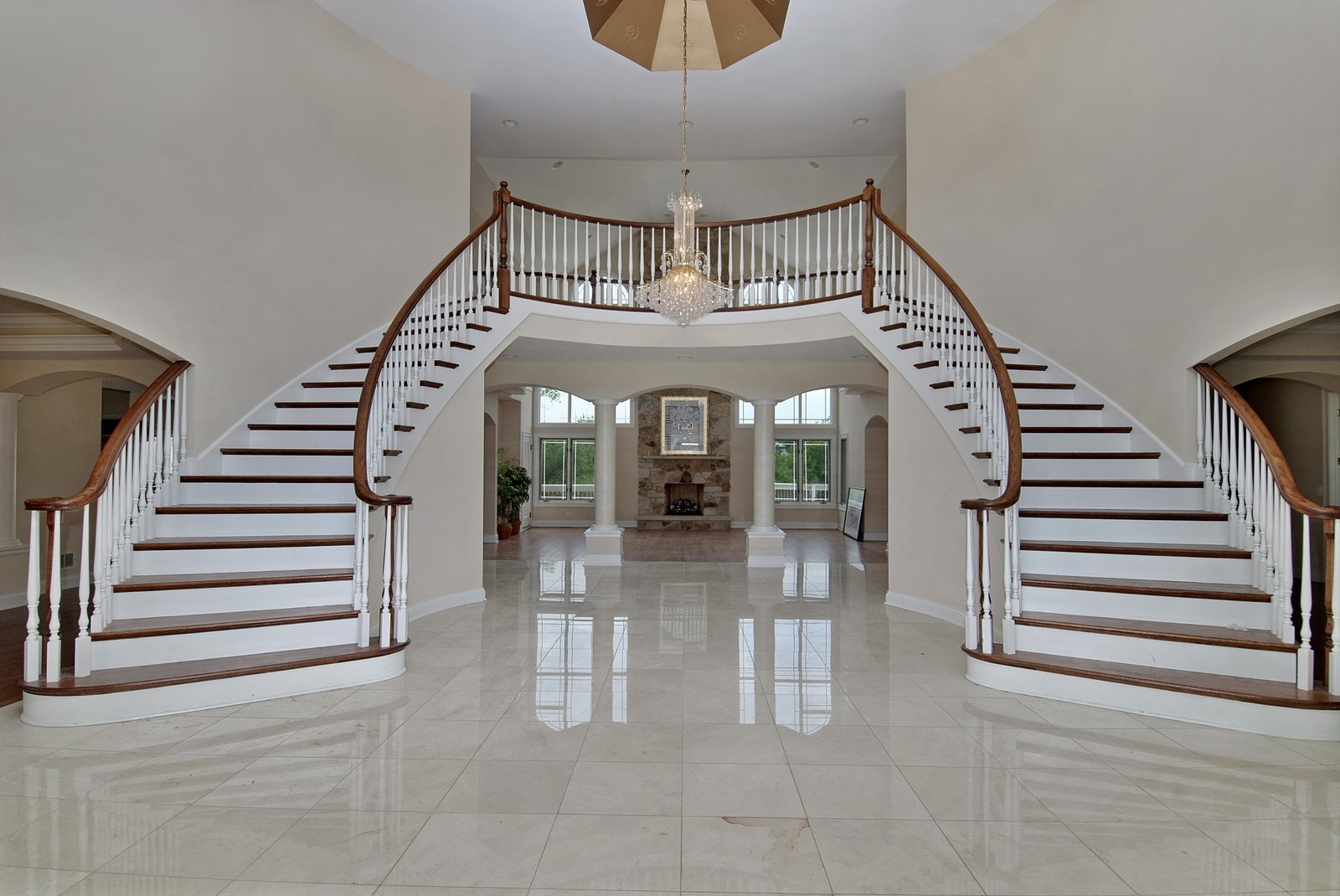 Real Estate Photography - 700 Dunbarton, Inverness, IL, 60010 - Foyer