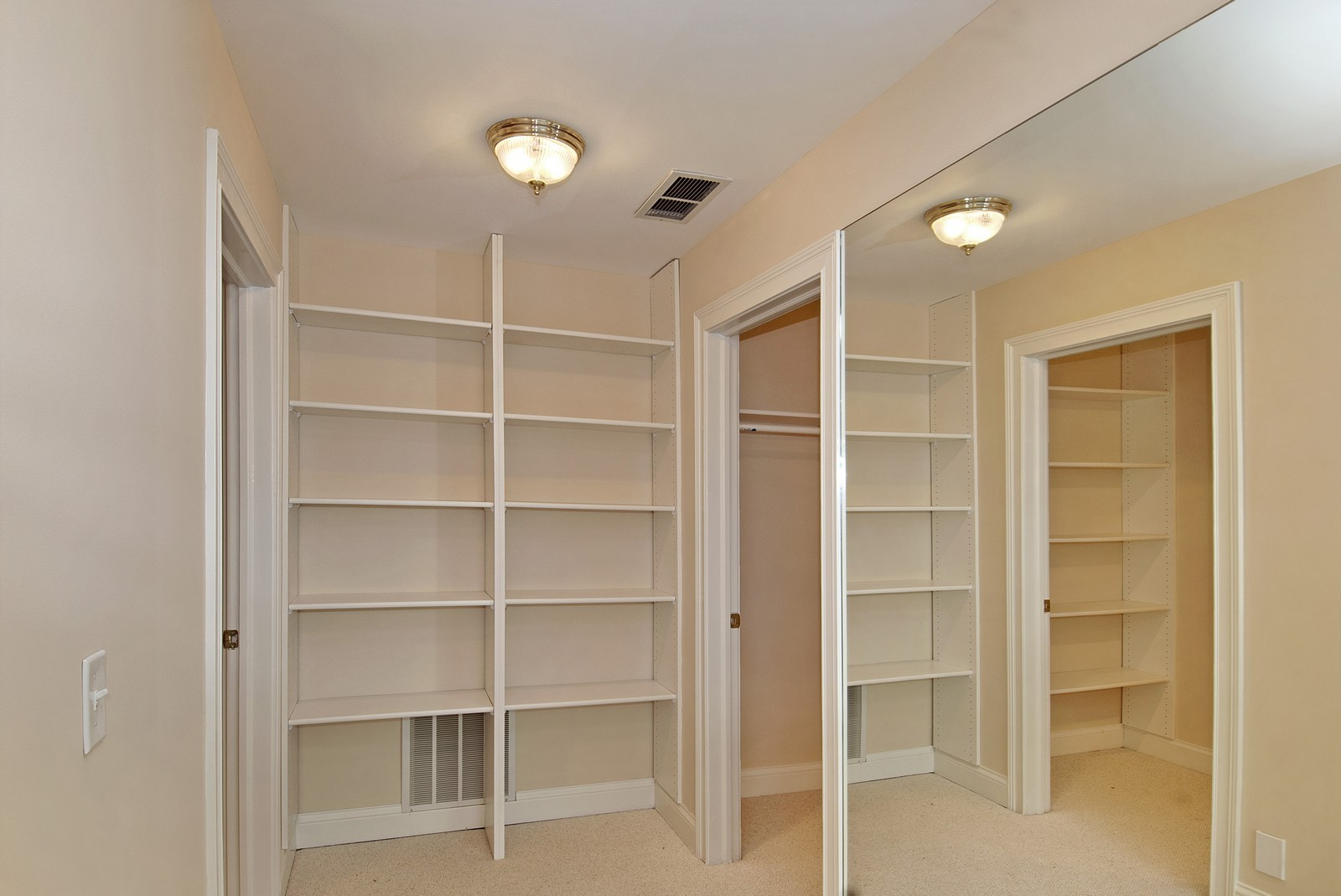 Real Estate Photography - 700 Dunbarton, Inverness, IL, 60010 - Master Bedroom Closet