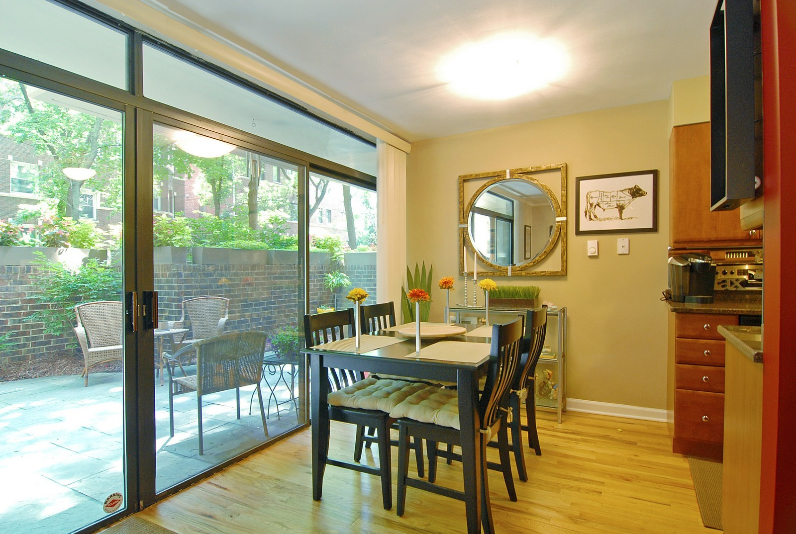 Real Estate Photography - 2600 N Hampden Ct, Chicago, IL, 60614 - Dining Room